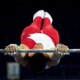 horizontal-bar-gymnast-pixabay